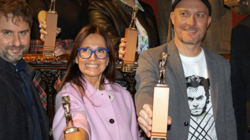 Anna Moner guanya el 30è Ciutat d'Alzira de Novel·la amb 'La mirada de vidre'